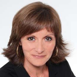 Caroline POUZENC Chargée d'affaire agencement et mobilier de bureau chez Adexgroup