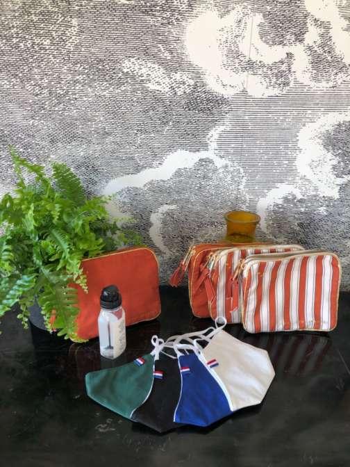 Pack de Noël / Pochette-trousse en tissu + masque en tissu + gel 75ml
